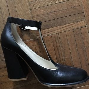 See by Chloe t-strap Mary Jane Shoes Black Leather